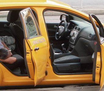 Правила приема на работу в такси ужесточают